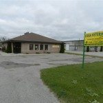 Building with sign Essa Veterinary Services Barrie